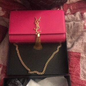 YSL SAC MONOGRAMME SL HOT PINK GOLD CHAIN